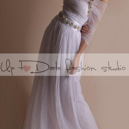 Off-Shoulder/ unique / Long tulle d..