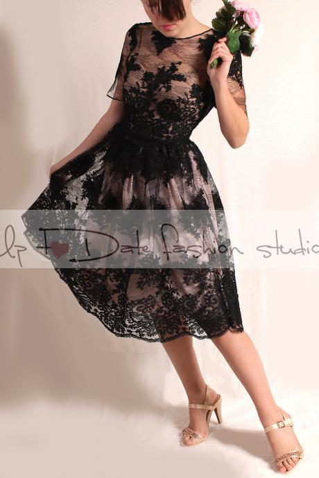 Plus size/Lace black / short wedding dress/plus size / reception/ 3/4 sleeve bridal gown /make to order/