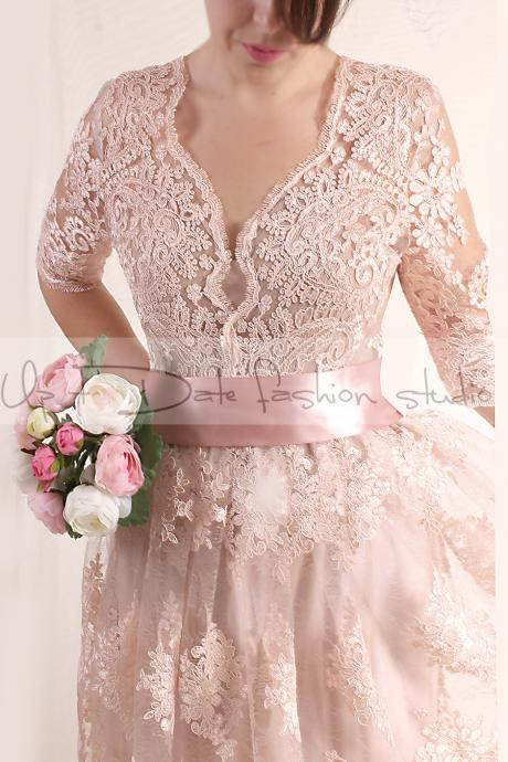 Plus Size Lace short/ blush pink wedding party / lace dress with sleeves Bridal Gown