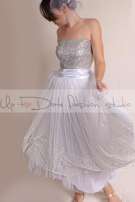 Vintage Inspired / Wedding Dress/ 50s Style/Tutu tulle tea length skirt with sequin Strapless