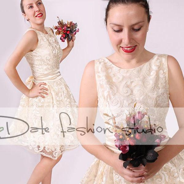 Wedding/short sleeveless lace dress/reception/party /cream romantic dress